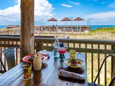 lunch and drinks at Beachcomber's Tiki Hut in Kill Devil Hills, NC