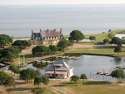 Currituck Outer Banks Visitors Center in Corolla