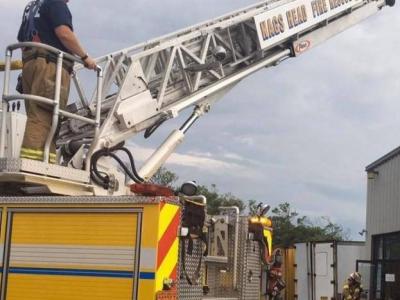 hook & ladder truck, Nags Head Fire
